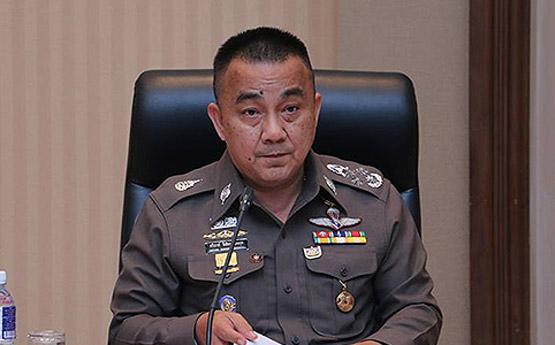 """บทพิสูจน์ความเท่าเทียม!! คนไทย 68.88% ไม่เชื่อมั่นการบังคับใช้ กม. ** เล่นกันเองซะแล้ว!! """"หมอธี""""ขุด """"นาฬิกาลุงป้อม""""ซัดแรงหลายดอก """"ต้องลาออกตั้งแต่เรือนแรกแล้ว  ** ไม่ใช่เรื่องบังเอิญ!! """"รัฏฐาธิปัตย์""""เริ่มถอดรูป ไม่น่าเกรงขามเหมือนก่อน"""
