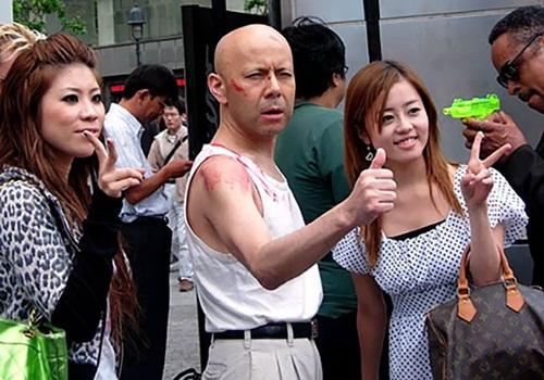 Bruce Willis แบบเจแปน