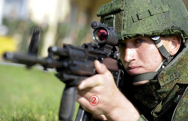 <br><FONT color=#00003>AK-12 ยังเป็นไรเฟิลออกแบบมา เป็นอาวุธสำหรับทหารในอนาคตของกองทัพรัสเซีย ในโครงการแร็ตนิค (Ratnik) ที่ดำเนินอยู่ในขณะนี้. </a>