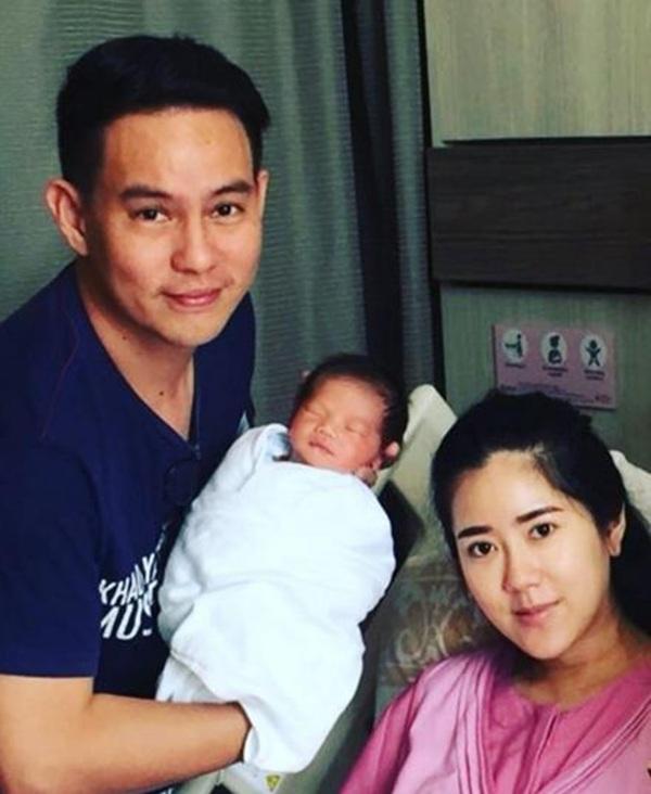 """ของขวัญวันตรุษจีน!! """"แมน ศุภกิจ"""" เฮลั่นภรรยาคลอดลูกชาย ตั้งชื่อ """"น้องจีน"""""""