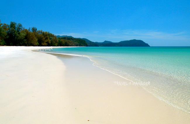 ชายหาดยาวขาวสะอาดที่เกาะตะรุเตา