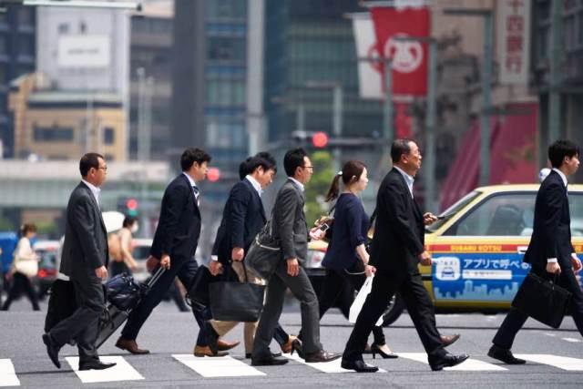 """ญี่ปุ่นเตรียมคลายวีซ่าเปิดทางชาวต่างชาติทำงาน แต่ตั้งแง่รับเฉพาะ """"หัวกะทิ"""""""