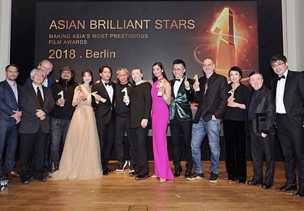 เมื่อ ๕๗ ปีก่อน หนังไทยสร้างไปประกวดที่เบอร์ลินโดยเฉพาะ ได้รับคำชมมากมาย! แต่บอกว่าทีหลังอย่าทำแบบนี้อีก!!