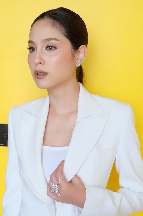 """""""ขวัญ อุษามณี"""" นำทีมศิลปิน ร่วมงานระดับอาเซียน Top Thai Brands 2018"""