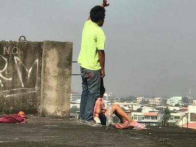 เมียทิ้ง!หนุ่มขายปลาหมึกย่างเครียดจัดพาลูกสาว8ขวบกระโดดตึกกลางเมืองอุดรฯ