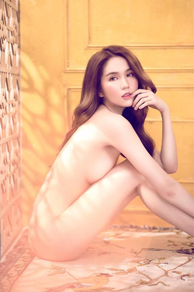 'Nguyen Ngoc Trinh' เซ็กซี่สตาร์เวียดนาม เปลือยกายถ่ายภาพครบรอบวันเกิดตัวเอง!
