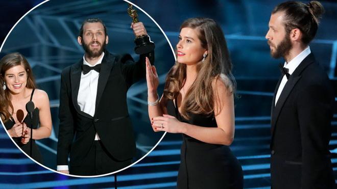 """โมเมนต์น่าประทับใจ """"ออสการ์"""" เจ้าของรางวัล """"หนังสั้น"""" ขอบคุณด้วยภาษามือเพื่อนักแสดงเด็กหูหนวก"""