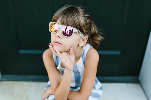 แว่นกันแดดเด็ก แฟชั่นรับลมร้อน เรียกเงินจากกระเป๋าคุณแม่ได้ง่ายๆ