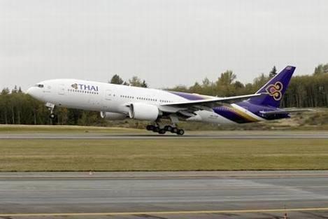"""พิษ """"โรลส์-รอยซ์"""" ขาดอะไหล่ซ่อมแอร์บัส 380 ช้า การบินไทยปรับใช้โบอิ้ง 777-300ER บินแทน"""