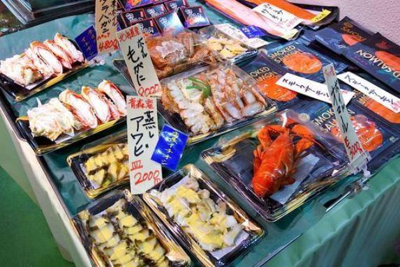 """""""ปลาญี่ปุ่น""""  กลายเป็นเหยื่อโซเชียล สินค้าการเมือง"""
