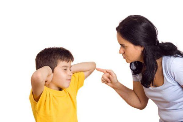 """8 สัญญาณบอกอาการ """"ลูก"""" เป็นโรคพฤติกรรมดื้อต่อต้าน"""
