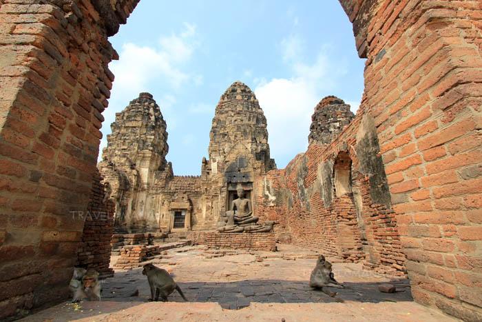 พระวิหารที่สร้างในสมัยสมเด็จพระนารายณ์มหาราช