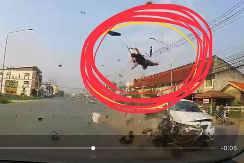 ภาพเหตุการณ์จากกล้องติดหน้ารถประชาชน