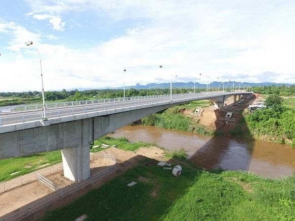 สะพานเมย 2 และอาคารด่านพร้อมถนนเลี่ยงเมือง คืบหน้าเกือบครึ่งแล้วเปิดแน่ปี 62