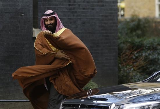 """In Clips : ฝรั่งเศสออกหมายจับ """"พี่สาว"""" มกุฎราชกุมารซาอุฯ-จนท.สหรัฐฯปูด เจ้าชายโมฮัมเหม็ดกักตัว """"แม่"""" ไม่ให้พบหน้ากษัตริย์ซาลมาน"""