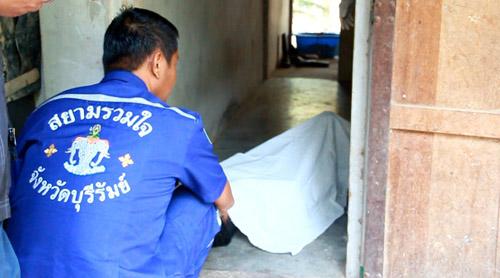 สลด หนุ่มเขมรคนงานฟาร์มหมูบุรีรัมย์ ทะเลาะกับน้องชายน้อยใจผูกคอดับคาห้องพัก