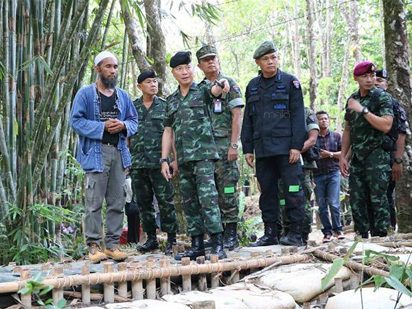 แม่ทัพ 4 เข้าชมโครงการป่าชุมชน บ้านต้นตาลยี่งอ หนุนเป็นต้นแบบชุมชมเข้มแข็งชายแดนใต้