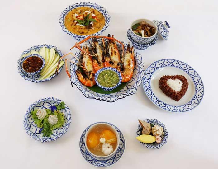 """ชวนออเจ้ามาชิมอาหารไทยชุด """"บุพเพสันนิวาส"""" ที่ รร. เซ็นทาราแกรนด์ เซ็นทรัลพลาซา ลาดพร้าว"""