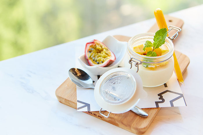 Panna Cotta Mango Passion Fruit จากร้าน Brix Dessert Bar