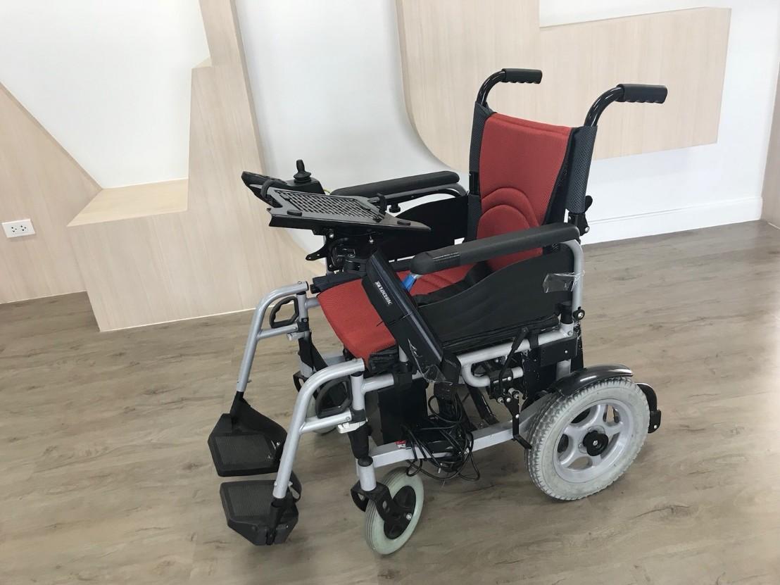 นวัตกรรมวีลแชร์ไฟฟ้าอัจฉริยะควบคุมด้วยสายตา (Smart Wheelchair Based on Eye Tracking)