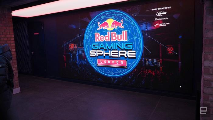 """""""Red Bull Gaming Sphere"""" อีสปอร์ตบาร์แห่งใหม่ในลอนดอน"""