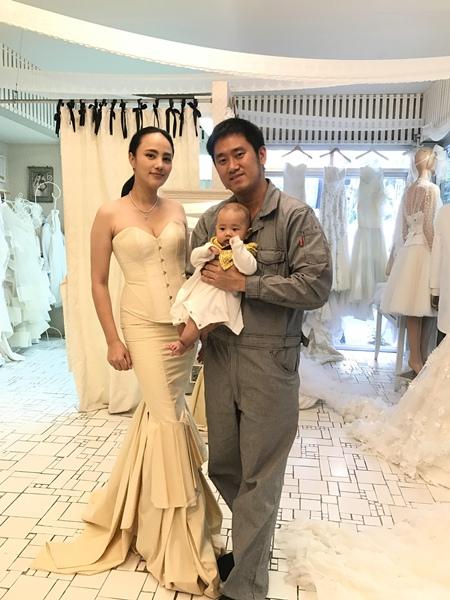 """""""กุญแจซอล"""" คืนวงการ ควงคู่สามี เดินแบบชุดแต่งงานคู่กันเป็นครั้งแรก ในงาน Bangkok Wedding Festival 2018"""