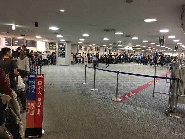 อยากเที่ยวต้องทำใจ! สนามบินญี่ปุ่นต่อคิวนานเป็นชั่วโมง นักท่องเที่ยวล้นหลาม