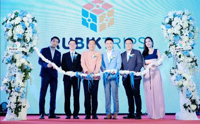 """""""ป้อง ณวัฒน์ - ปอย ตรีชฎา"""" เปิดตัว """"RUBIKTRIPS"""" ธุรกิจแพลตฟอร์มการท่องเที่ยวผ่านออนไลน์ครบวงจรรูปแบบใหม่ครั้งแรกในไทย"""
