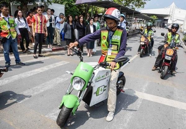 มุ่งกรีน เต็มเหนี่ยว SolaRyde : วินจักรยานยนต์ไฟฟ้าแห่งแรกที่ มธ.รังสิต