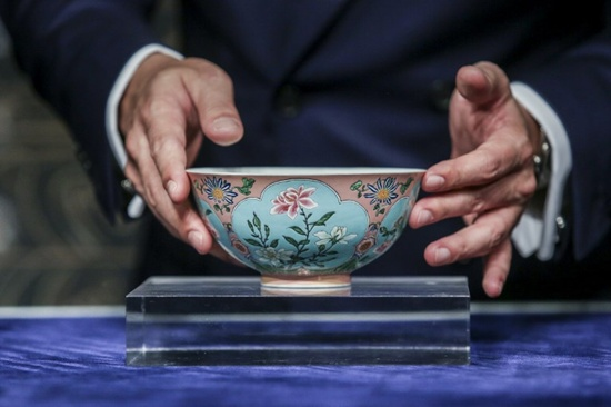 Very rare Qing Dynasty bowl sells for $30.4 million