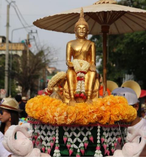 1 ปี มีครั้งเดียว สรงน้ำพระหลวงพ่อโตทองคำ 1 เดียวในประเทศไทย