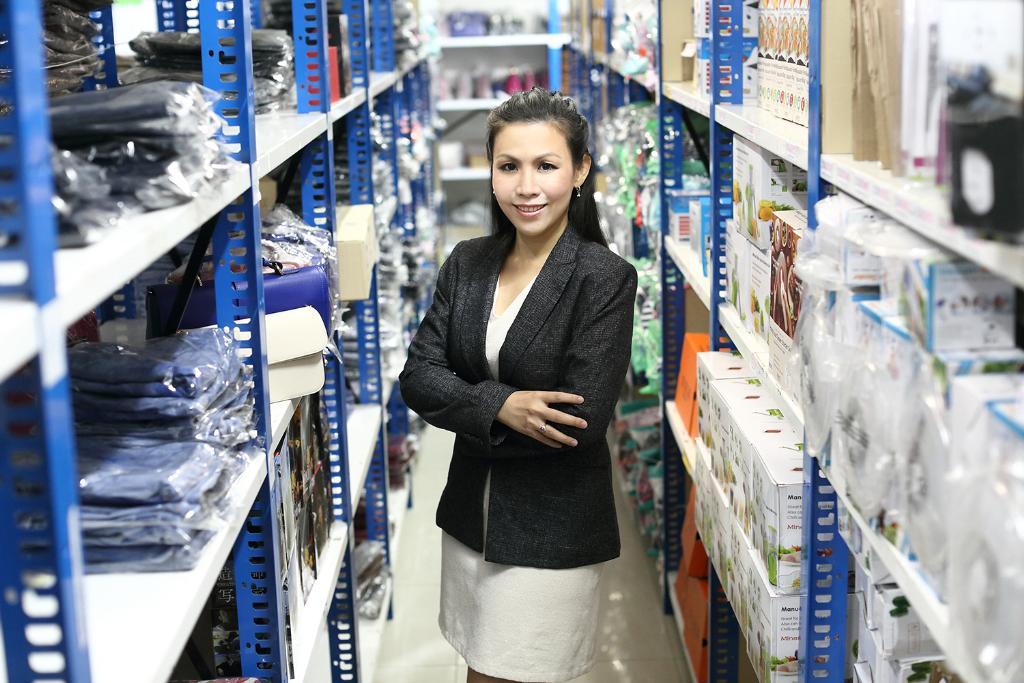"""เทรนด์ขายของออนไลน์แรง! ดัน """"สยาม เอาท์เลต"""" ศูนย์รวมการจัดส่งสินค้า SMEs โตก้าวกระโดด"""