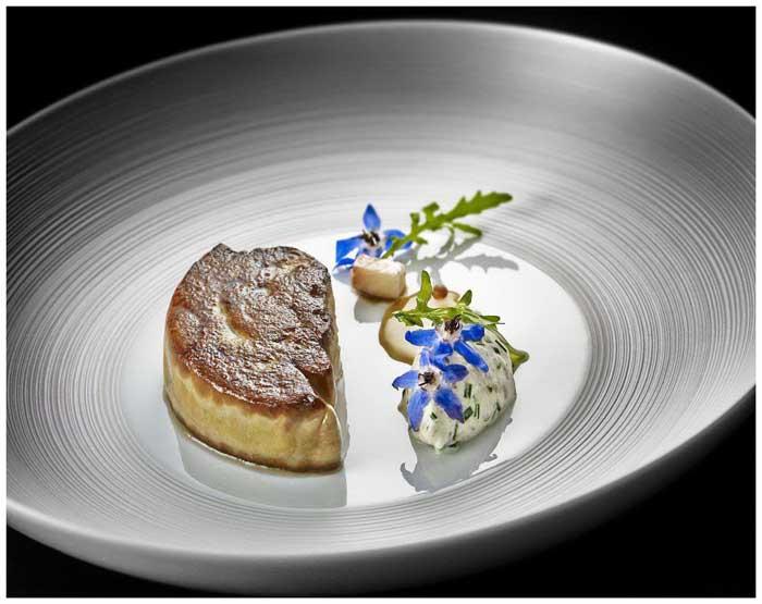 ลิ้มรสอาหารฝรั่งเศสฝีมือมิชลินสตาร์ เชฟเซบาสเตียน ซองโจ ที่ รร.วี กรุงเทพฯ เอ็มแกลเลอรี
