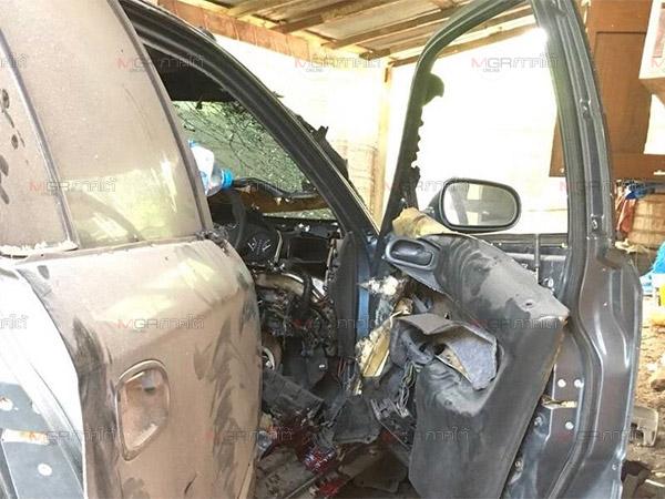 คนร้ายวางระเบิดรถเก๋ง อส.เมืองยะลาเสียหายยับ เจ้าของเจ็บสาหัส