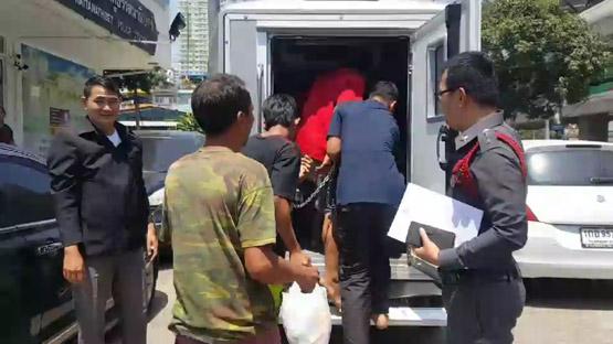 ฝากขัง 4 คนร้ายหลอกสาววัย 18 รุมโทรมกลางบ้านร้างนนทบุรี ตามล่าอีก 2
