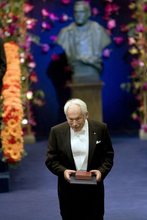 นักฟิสิกส์โนเบลผู้ปฏิวัติการบันทึกข้อมูลดิจิทัลเสียชีวิตในวัย 78
