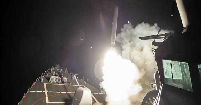 """เดือดระอุ! ทรัมป์สั่งโจมตีซีเรียตอบโต้ """"การใช้อาวุธเคมี"""" ก่อนเสียงระเบิดดังสนั่นในดามัสกัส"""