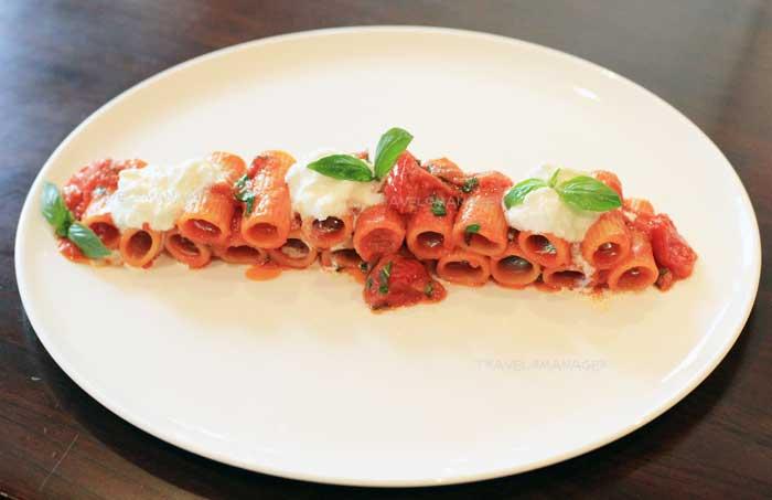 Rigatoni Con Pomodorini & Burrata