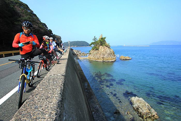 แวะพักชมวิวริมทะเลในเส้นทางชิโมโนเซคิ-นากาโตะ