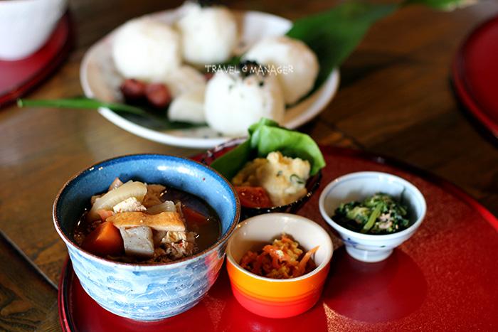 อาหารเที่ยงแบบพื้นบ้านของชาวญี่ปุ่น