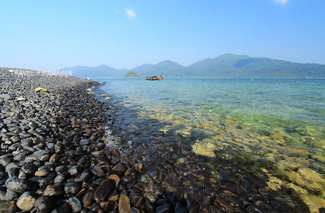 หาดหินงาม หมู่เกาะตะรุเตา ส่วนหนึ่งของอุทยานธรณีโลกจังหวัดสตูล