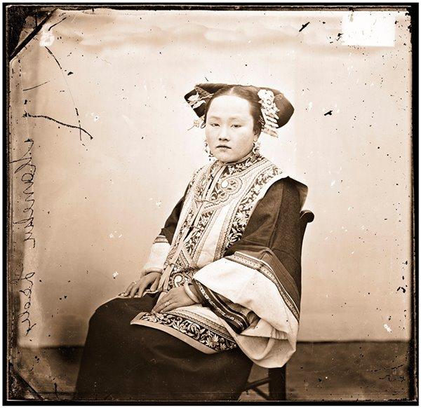 ภาพถ่ายสตรีปลายสมัยราชวงศ์ชิง