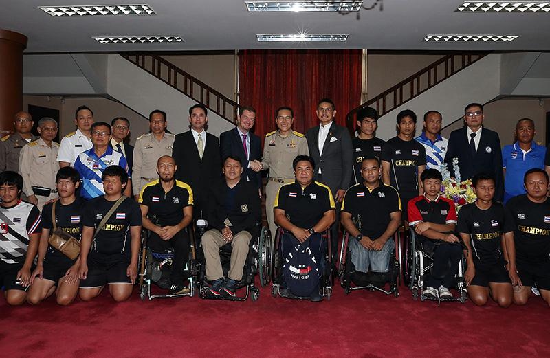 จุตินันท์ ภิรมย์ภักดี ประธานคณะกรรมการพาราลิมปิกแห่งประเทศไทย  พร้อมแอนดริว พาร์สัน ประธานพาราลิมปิกสากล พร้อมคณะเจ้าหน้าที่บริหารพาราลิมปิกไทยและนักกีฬาคนพิการทีมชาติไทย เข้าพบ วีระศักดิ์ โควสุรัตน์ รัฐมนตรีว่าการกระทรวงการท่องเที่ยวและกีฬา และอิทธพล คุณปลื้ม ที่ปรึกษารัฐมนตรีกระทรวงการท่องเที่ยวและกีฬา