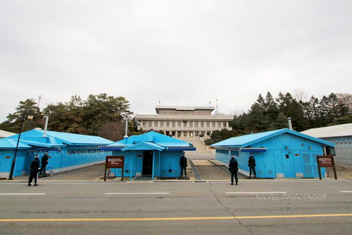 """รู้จัก """"Punmunjom"""" เส้นบางๆ ระหว่างเกาหลีเหนือ-ใต้ บนเส้นขนานที่ 38"""