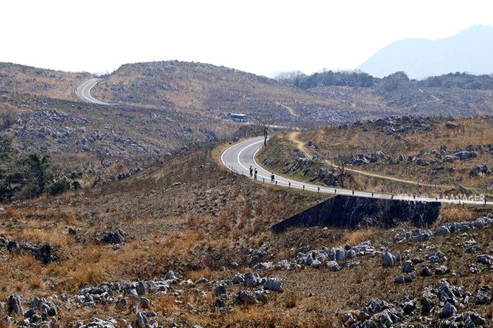 เส้นทางปั่นผ่านที่ราบสูงอาคิโยชิไดสู่เมืองนามากุจิ