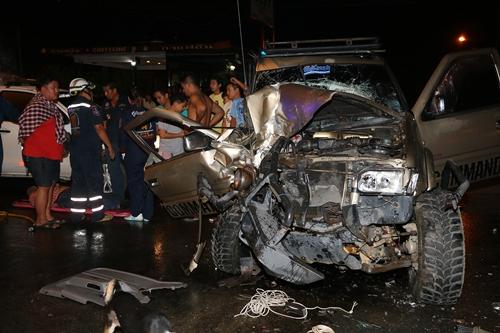 ฝนตกถนนลื่นเกิดอุบัติเหตุ 2 รายซ้อนในพื้นที่สัตหีบ- พัทยา มีผู้เสียชีวิต 2 ราย