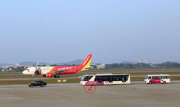 <br><FONT color=#00003>ไม่ใช่ครั้งแรก -- 16 ต.ค.2557 นักบินชาวฟิลิปปินส์นำเที่ยวบิน VJ8856 เวียดเจ็ตแอร์จากโฮจิมินห์ ไปลงผิดรันเวย์ที่นั่นมาก่อน เช่นเดียวกัน เตื่อยแจ๋ออนไลน์รายงาน. </a>