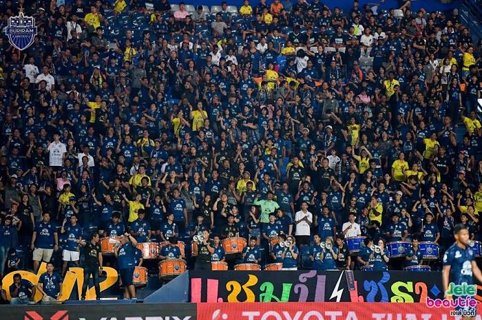"""""""ปราสาทสายฟ้า"""" ทำลายสถิติแฟนบอลชมเกมไทยลีกมากสุดปี 2018"""