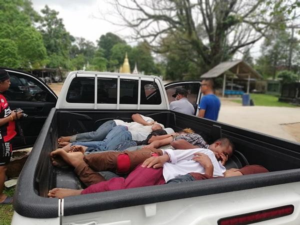 ทหารตำรวจสนธิกำลังจับกุมขบวนการขนต่างด้าวหลบหนีเข้าเมือง 11 คน พร้อมผู้นำพา 1 คน