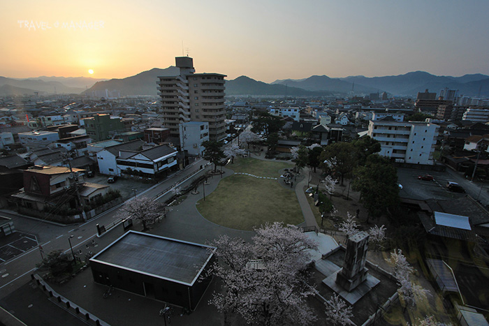 บรรยากาศยามเช้าในตัวเมืองยามากุจิ(มองจากห้องพักโรงแรมนิวทานากะ)